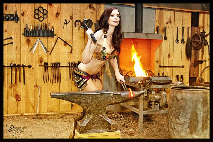 http://www.barrydentonphoto.com/shotbyB/MM/girl6H_0912.jpg